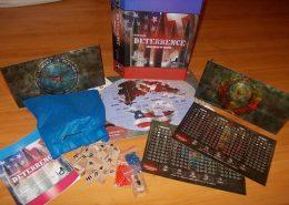 A caixa e os componentes do jogo. Cortesia de Carlos Couto.